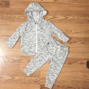 Old Navy heather gray sweat suit size 18-24 m